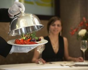Język angielski w przetwórstwie żywności i zarządzaniu restauracją